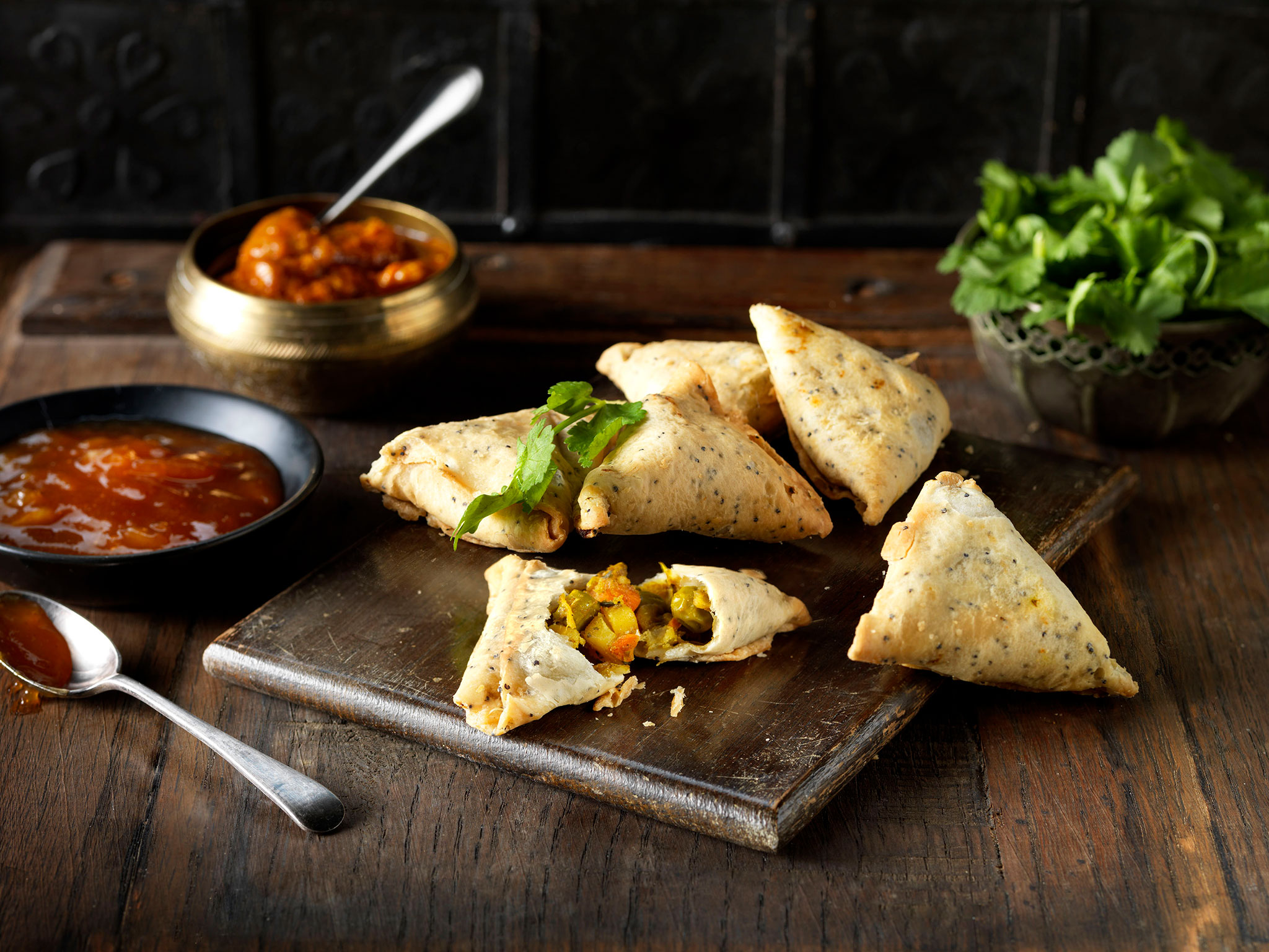 Vegetable Samosa - SK Foods